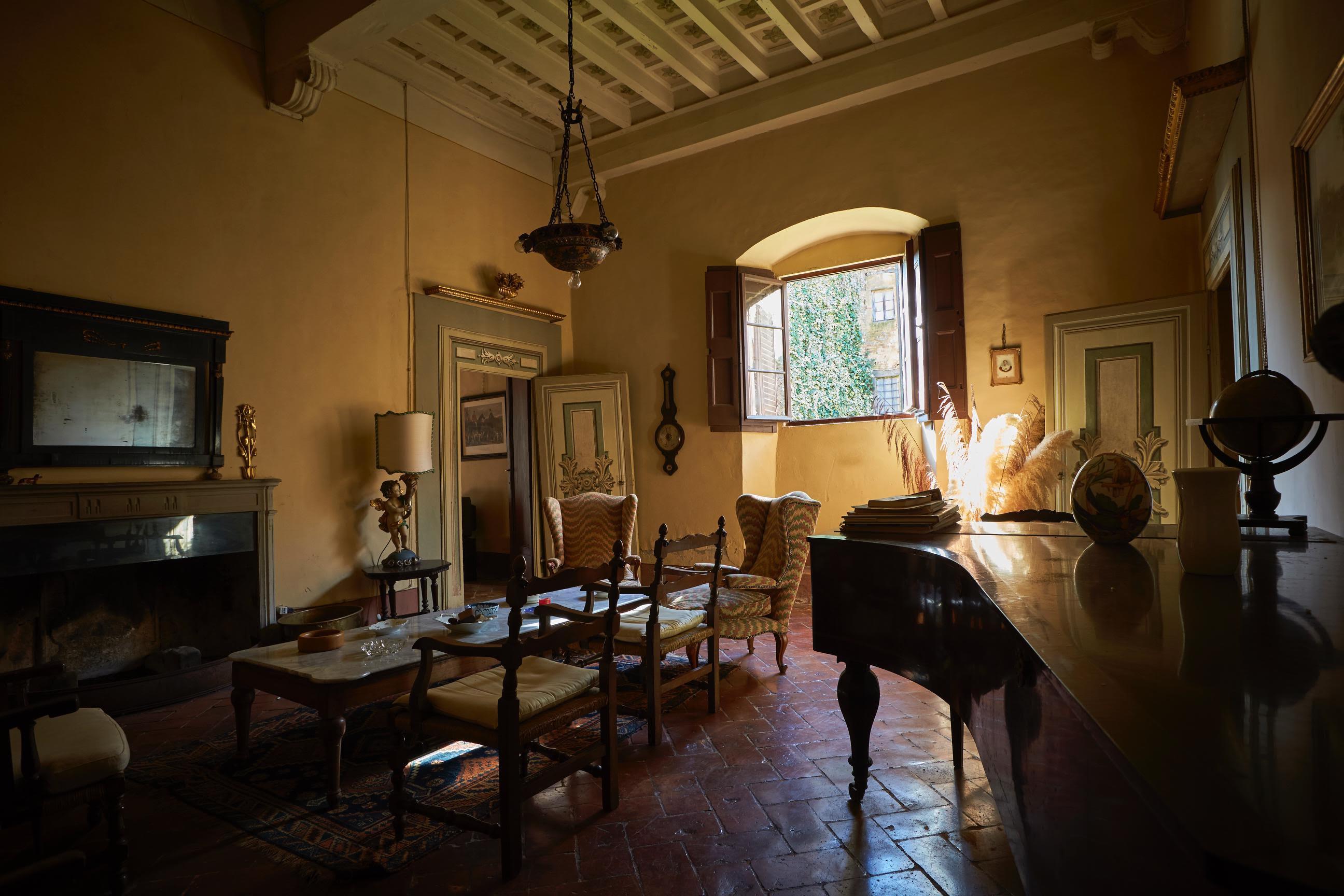 Borgo con Castello – Toscana
