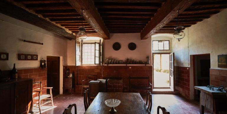 borgo e castello toscana vendita concetta relli