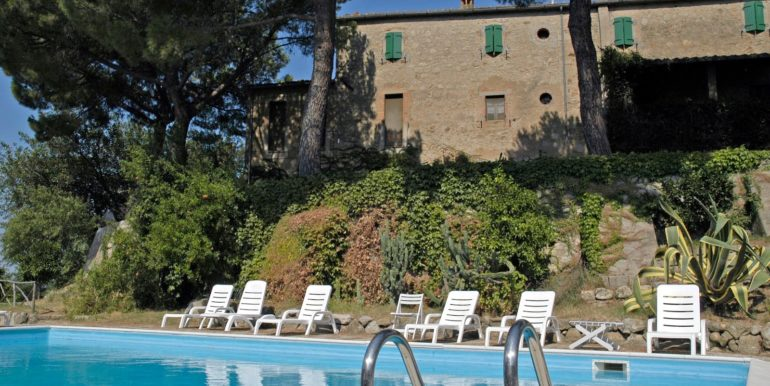 vendita agriturismo poggio oliveto matremma toscana - concetta relli luxury real estate 02a