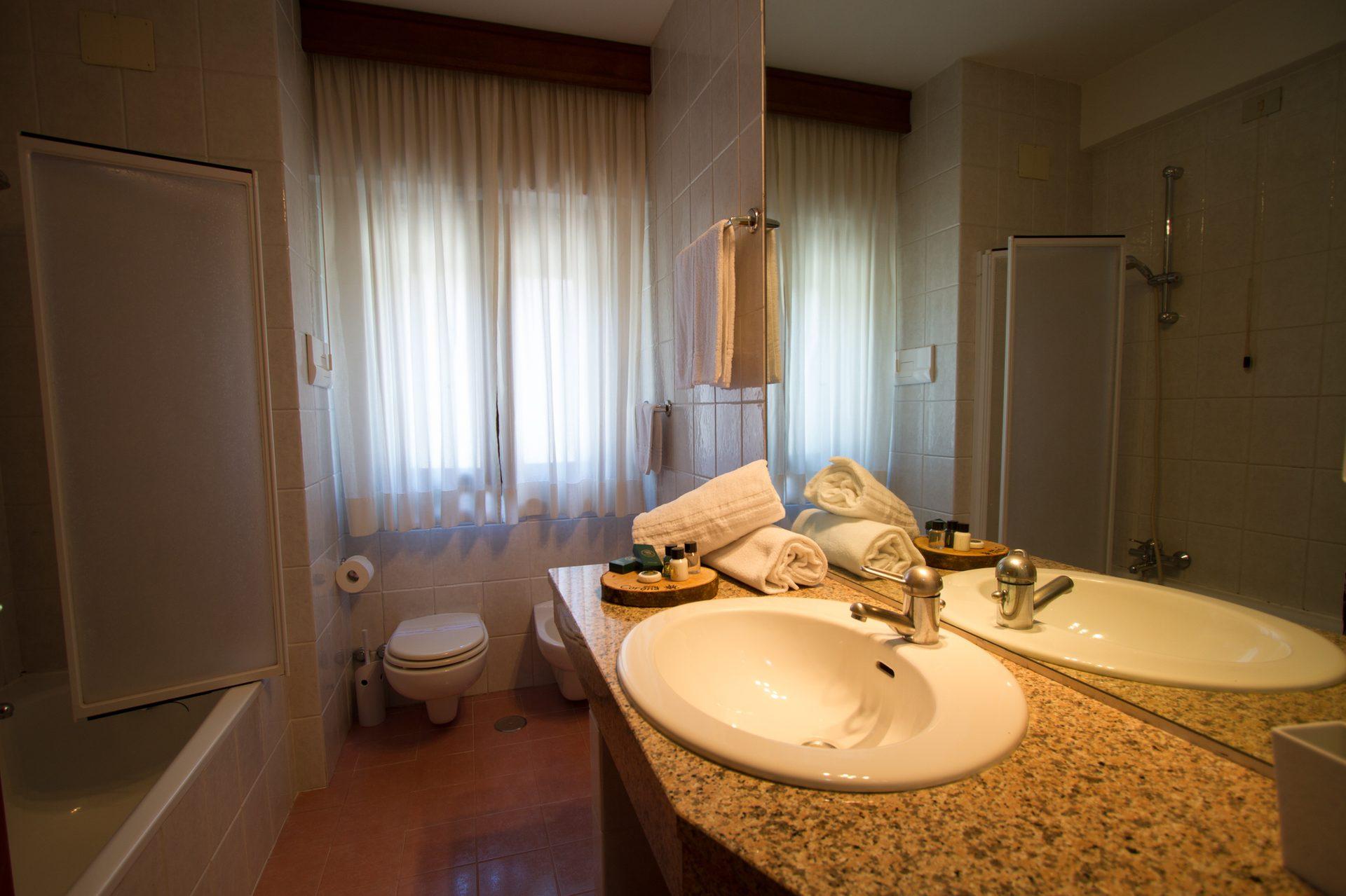 Camere Pescasseroli : Hotel corona spa abruzzo pescasseroli aquila concetta