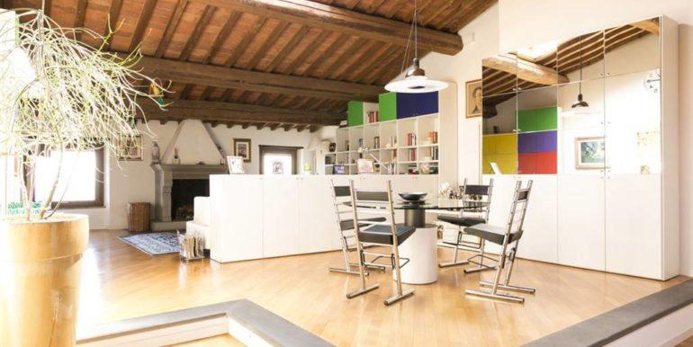 esclusivo appartamento centro storico lucignano toscana concetta relli real estate 01