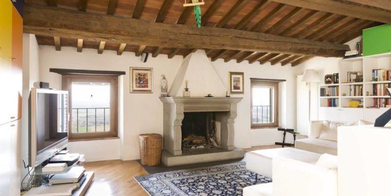 esclusivo appartamento centro storico lucignano toscana concetta relli real estate 04