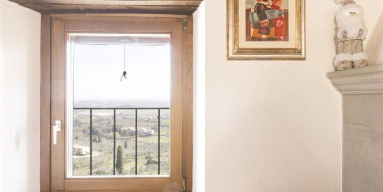 esclusivo appartamento centro storico lucignano toscana concetta relli real estate 05