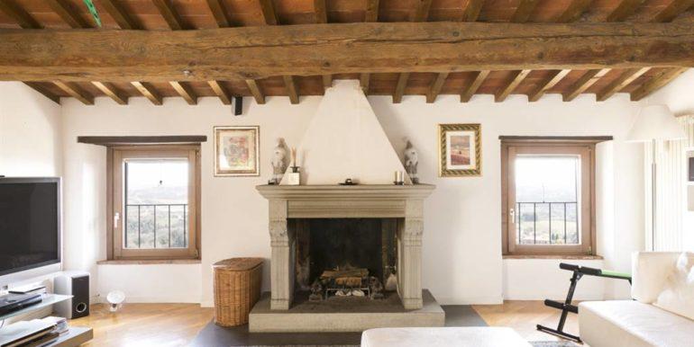 esclusivo appartamento centro storico lucignano toscana concetta relli real estate 09