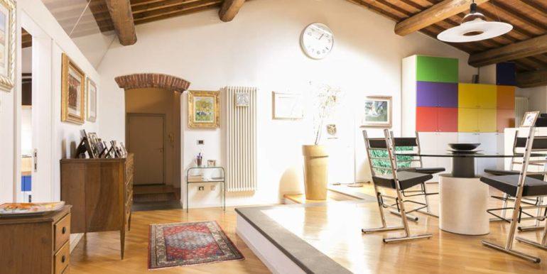 esclusivo appartamento centro storico lucignano toscana concetta relli real estate 14