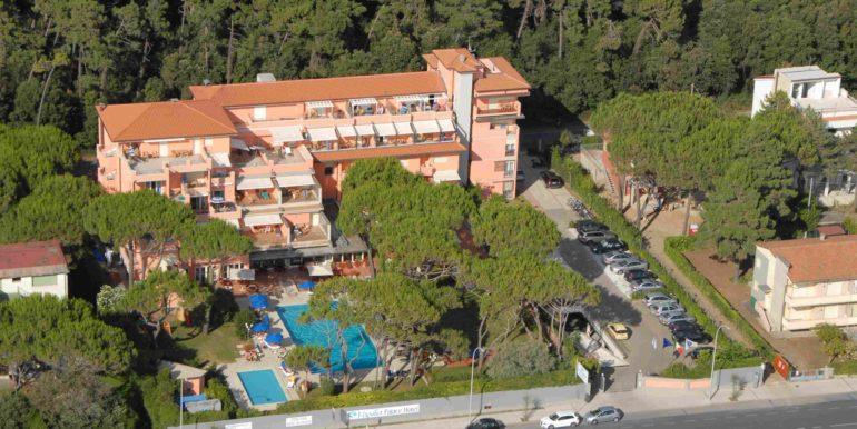 albergo versilia fronte mare vendita concetta relli luxury real estate