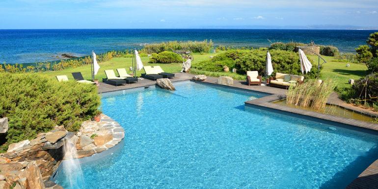 piscina villa solenzana stintino sassari concetta relli