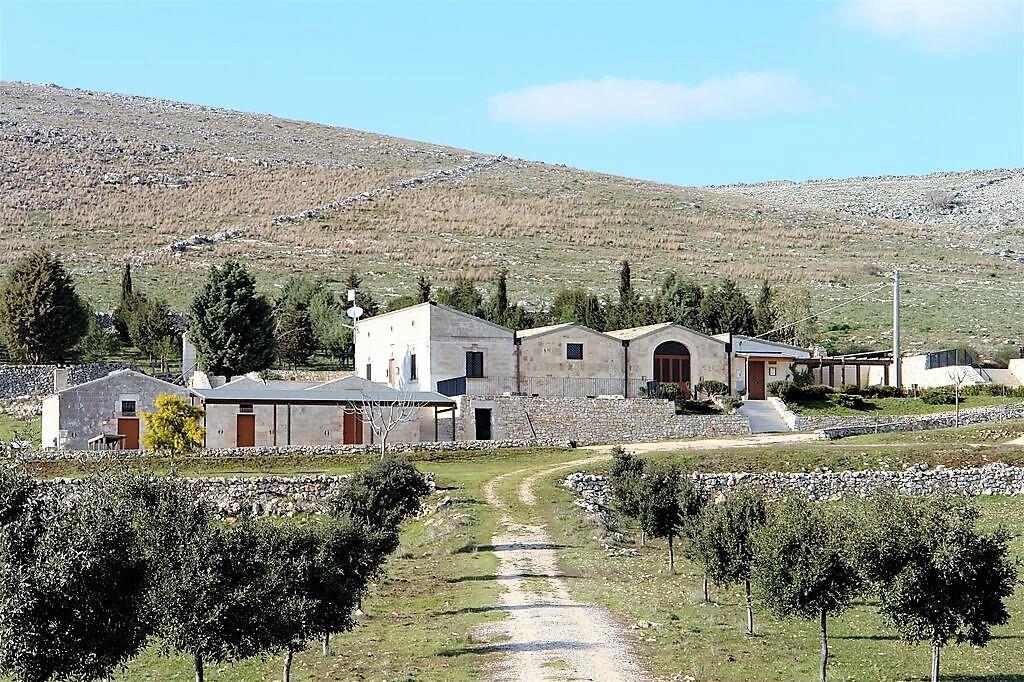 Antica Masseria Lamalunga – Parco Nazionale dell'Alta Murgia sull'altopiano Murgiano – Concetta Relli Luxury Real Estate