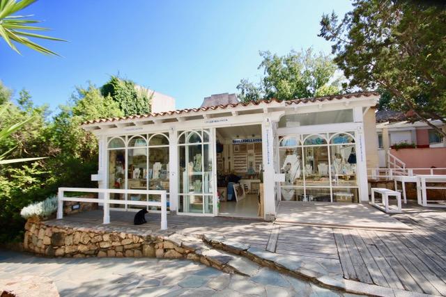 Meraviglioso locale commerciale – Porto Rotondo – Concetta Relli Luxury Real Estate