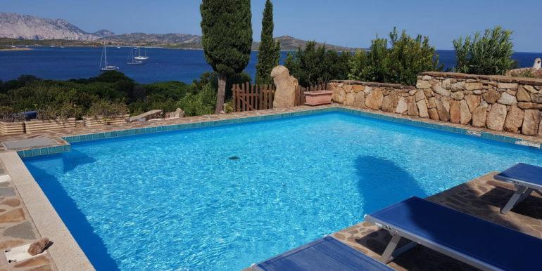 altra foto piscina 01