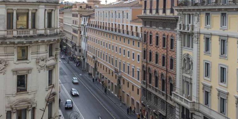 via-del-tritone-roma concetta relli real estate