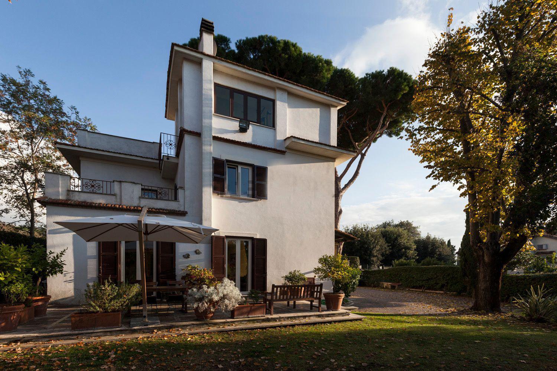 Villa in vendita in Confini di Castelgandolfo, 1 – Concetta Relli Luxury Real Estate