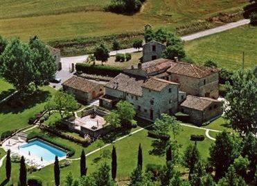 Proprietà XVI secolo completamente rifinita con Tenuta estensione 10 ettari – Toscana