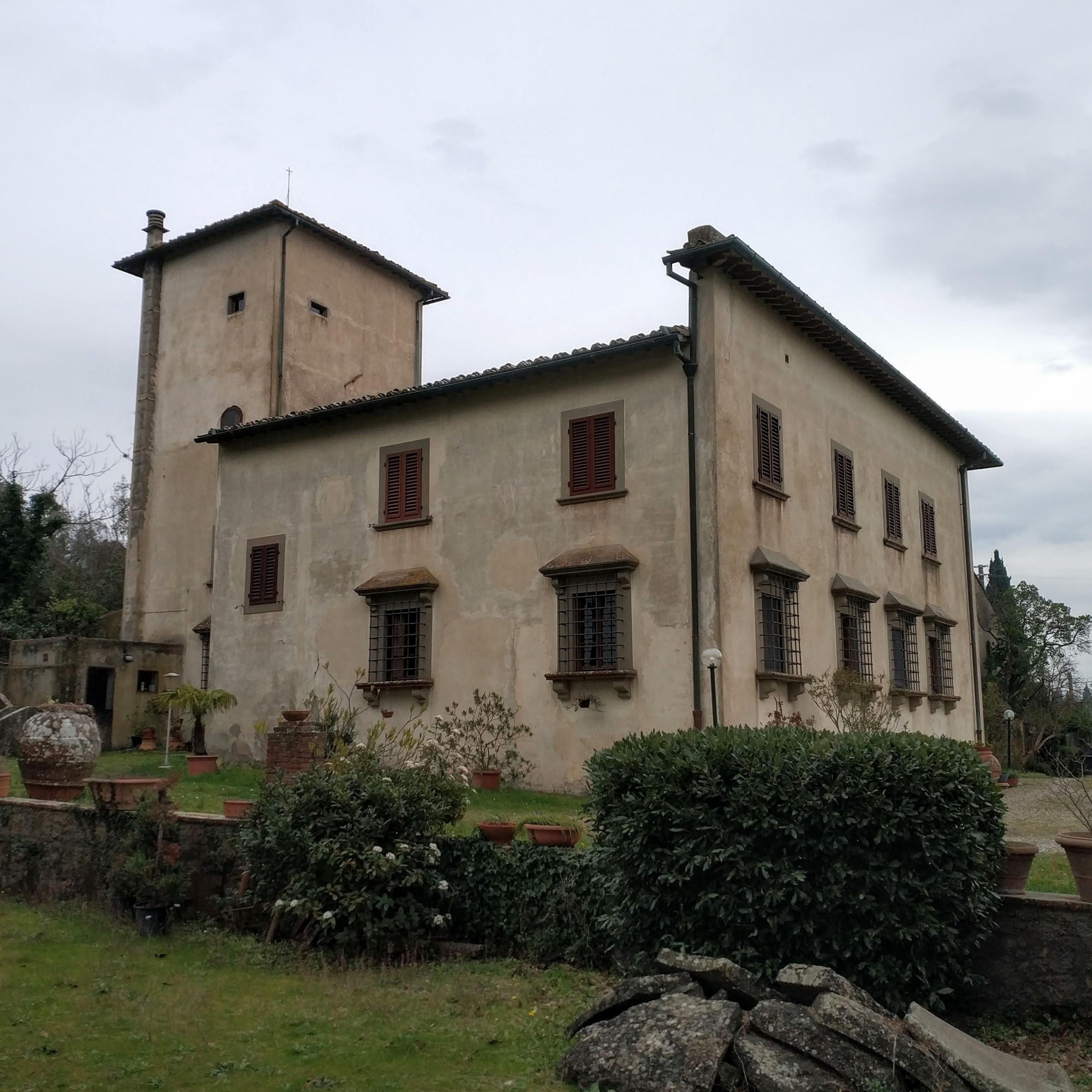 Villa Storica del 1400 con parco – Firenze – Concetta Relli Luxury Real Estate